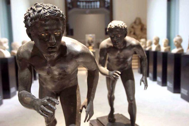 Statue di corridori (inv. 5626-5627)