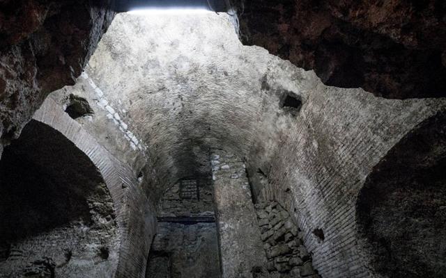 Resti dell'Acquedotto Romano in Via Arena alla Sanità