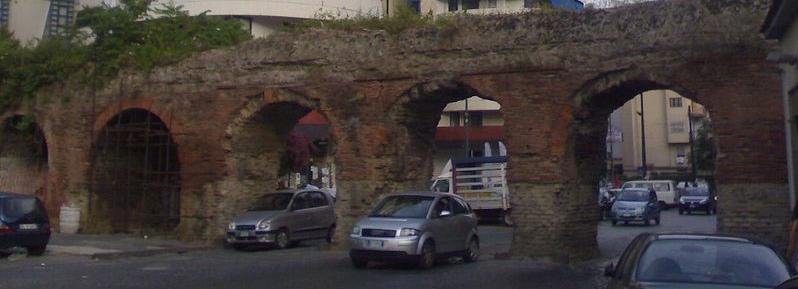 Resti dell'Acquedotto Claudio ai Ponti Rossi