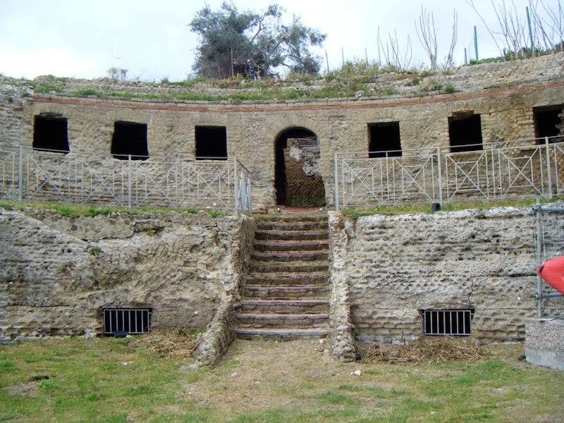 TOMBA DI AGRIPPINA (area monumentale)