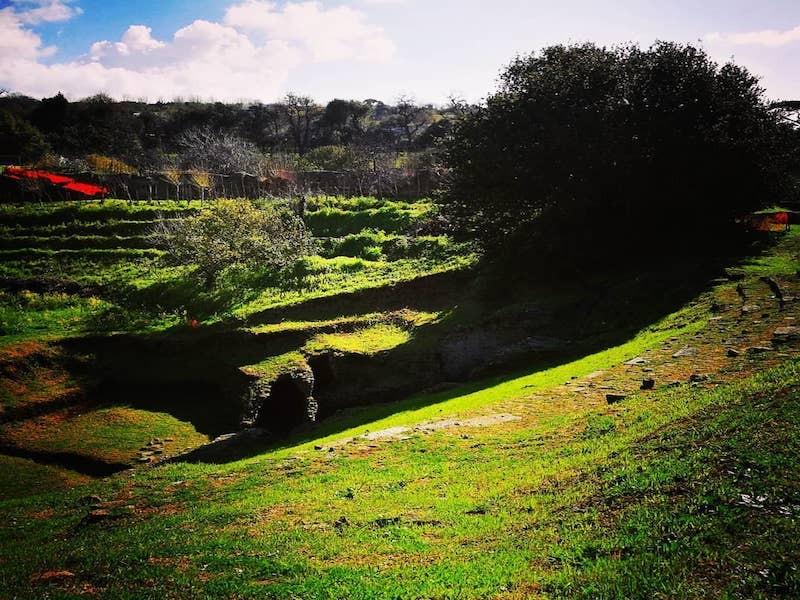 ANFITEATRO CUMANO (area archeologica)