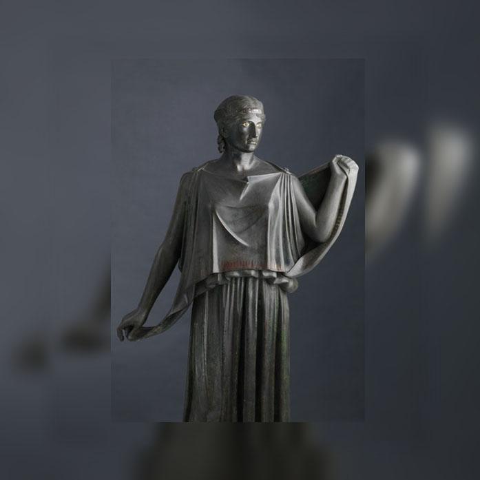 "Statue di peplophorai , cosiddette ""Danzatrici"""
